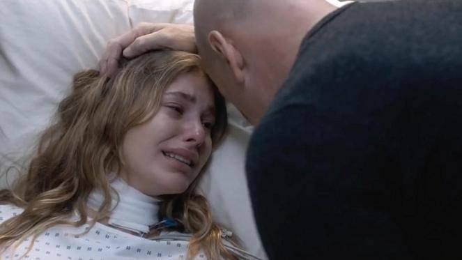 Camila Morrone (Jordan Kersey) en Bruce Willis (Paul Kersey)