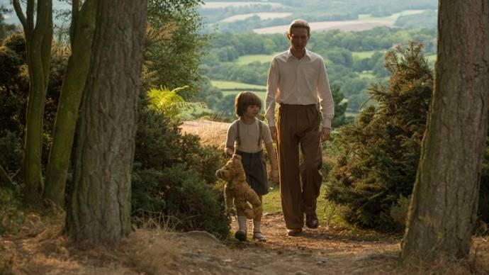 Will Tilston (Christopher Robin - Age 8) en Domhnall Gleeson (A.A. Milne)
