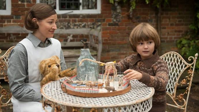 Kelly MacDonald (Olive) en Will Tilston (Christopher Robin - Age 8)