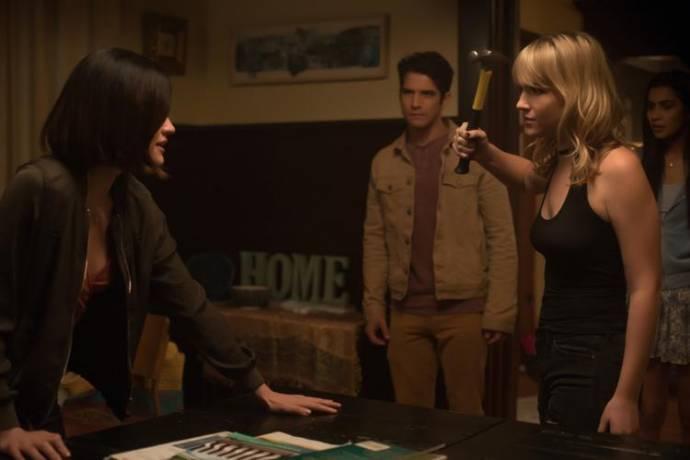 Lucy Hale (Olivia), Tyler Posey (Lucas) en Violett Beane (Markie Cameron)