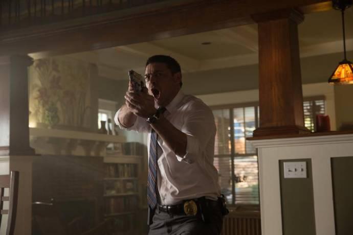 Karl Urban (Detective Ruiney)