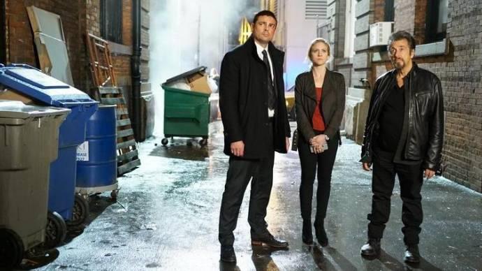 Karl Urban (Detective Ruiney), Brittany Snow (Christi Davies) en Al Pacino (Detective Archer)