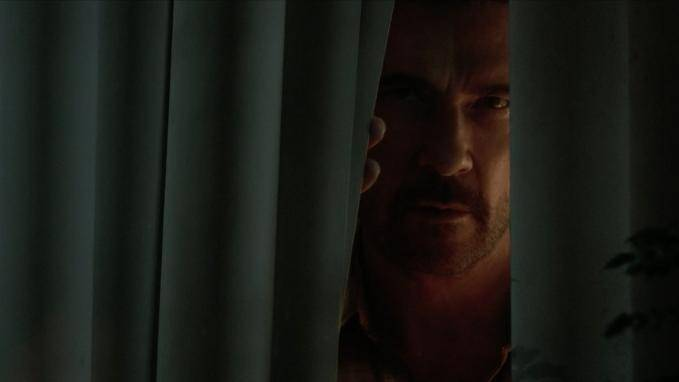 Dylan McDermott (Hank) in Josie