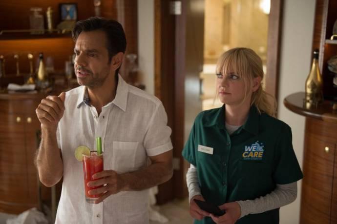 Eugenio Derbez (Leonardo) en Anna Faris (Kate)
