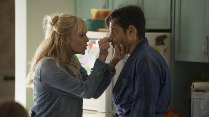 Anna Faris (Kate) en Eugenio Derbez (Leonardo)