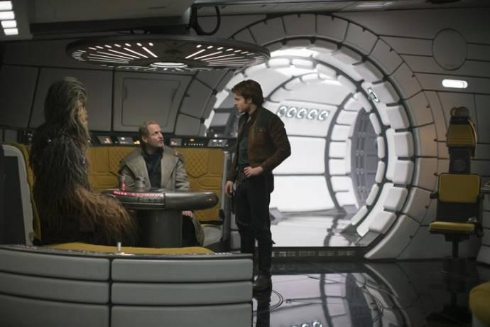 Woody Harrelson (Tobias Beckett) en Alden Ehrenreich (Han Solo)