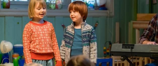 Casper en Emma maken theater (NL)