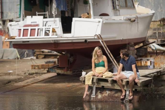 Shailene Woodley (Tami Oldham) en Sam Claflin (Richard Sharp)
