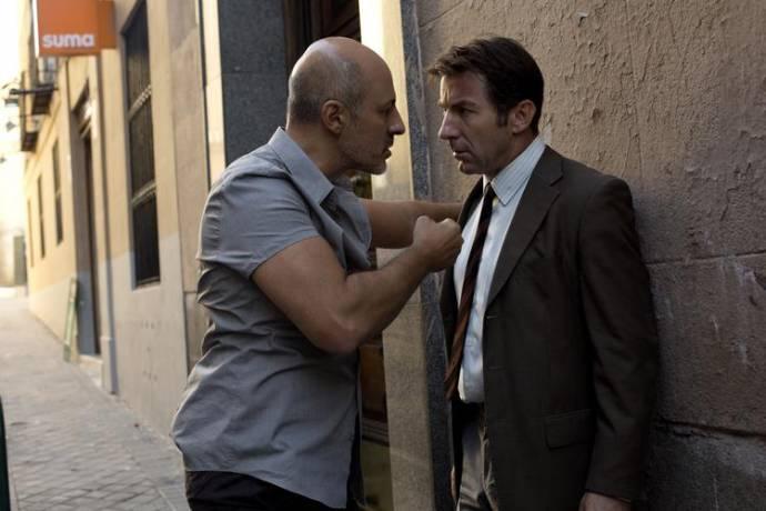 Roberto Álamo (Javier Alfaro) en Antonio de la Torre (Luis Velarde)