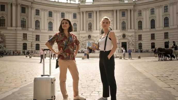 Mila Kunis (Audrey) en Kate McKinnon (Morgan)