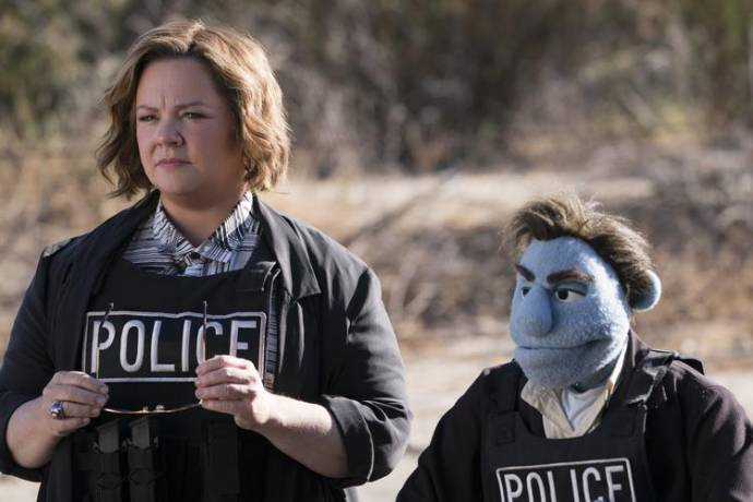 Melissa McCarthy (Connie Edwards)