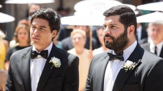Cristiano Caccamo (Antonio) en Salvatore Esposito (Paolo) in My Big Gay Italian Wedding