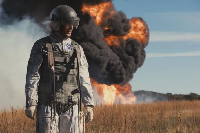 Ryan Gosling (Neil Armstrong)