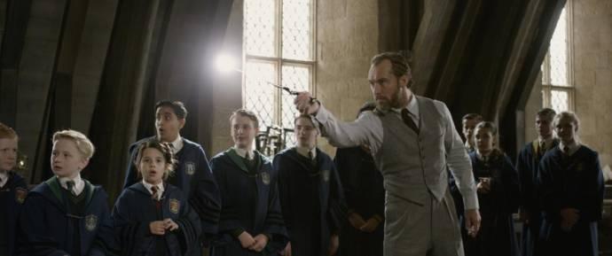 Jude Law (Albus Dumbledore)