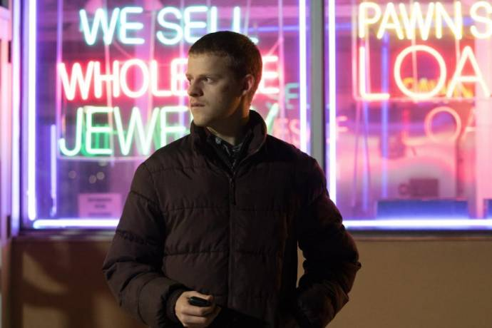 Lucas Hedges (Ben Burns)