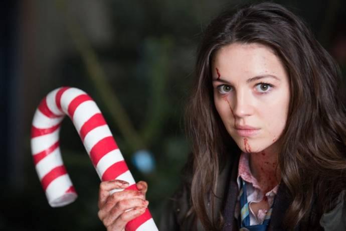 Ella Hunt (Anna)