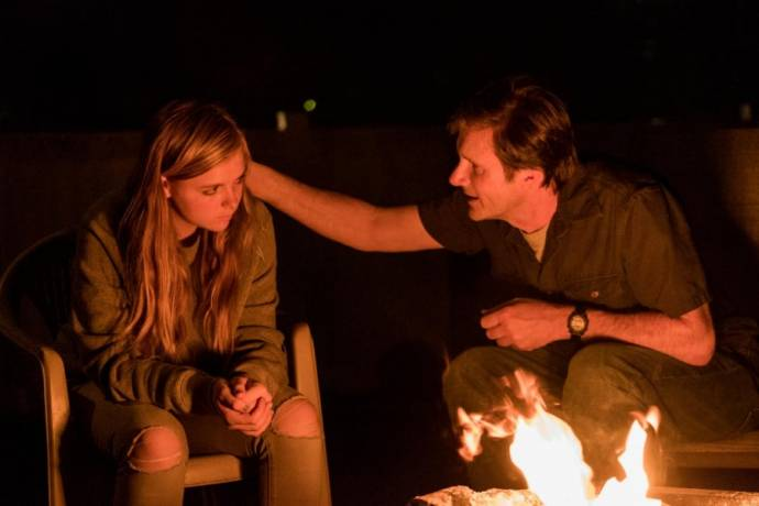 Elsie Fisher (Kayla Day) en Josh Hamilton (Mark Day)