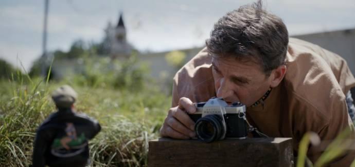 Steve Carell (Mark Hogancamp / Cap'n Hogie)
