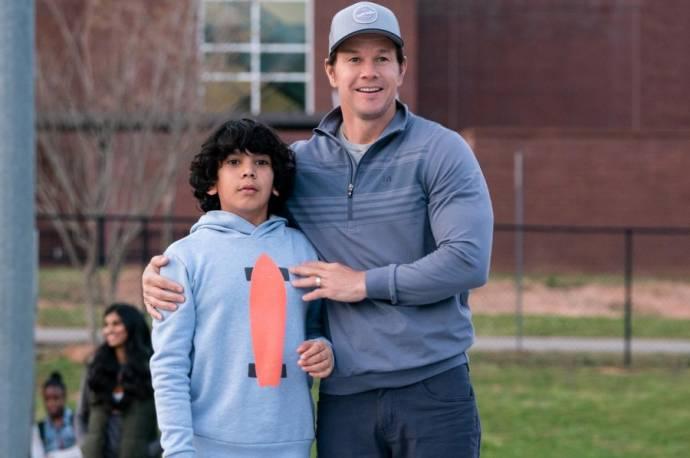 Gustavo Quiroz (Juan) en Mark Wahlberg (Pete)