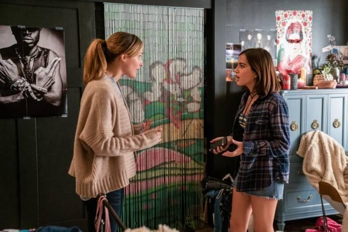 Rose Byrne (Ellie) en Isabela Moner (Lizzy)