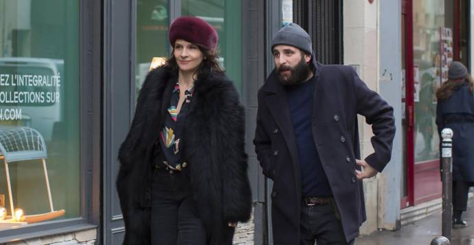 Juliette Binoche (Selena) en Vincent Macaigne (Léonard)