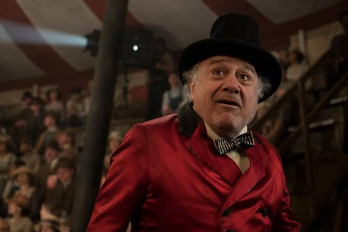 Danny DeVito (Max Medici) in Ladies Night: Dumbo
