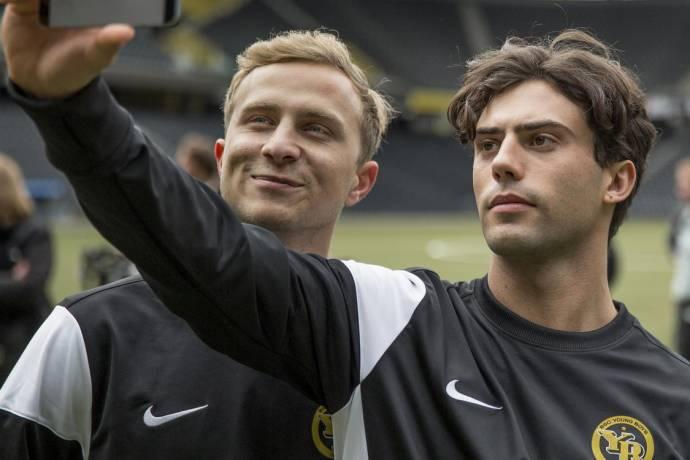 Max Hubacher (Mario Lüthi) en Aaron Altaras (Leon Saldo)