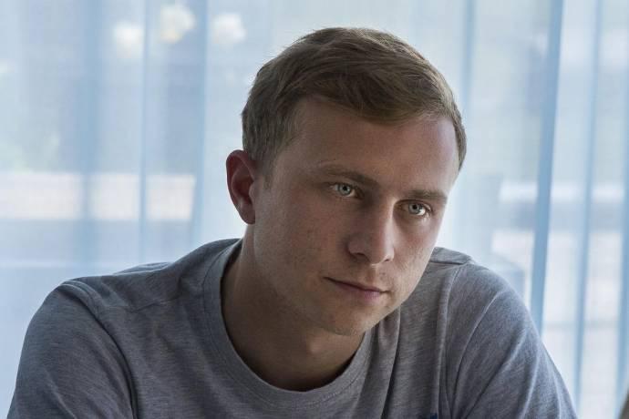 Max Hubacher (Mario Lüthi)