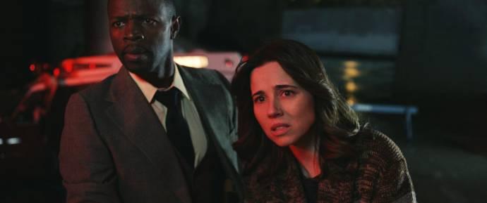 Sean Patrick Thomas (Detective Cooper) en Linda Cardellini (Anna Tate-Garcia)