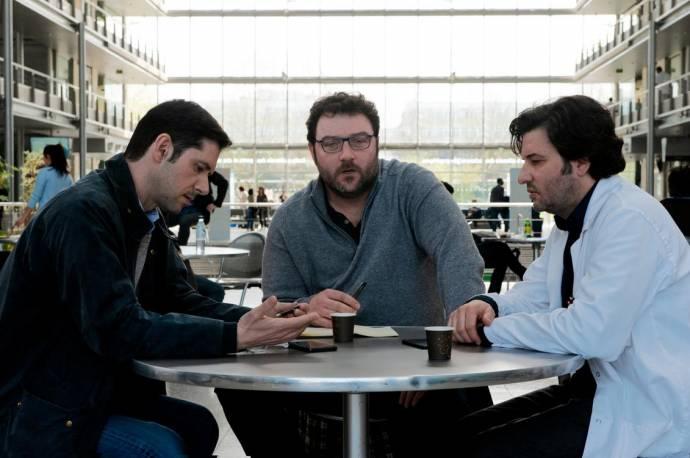 Melvil Poupaud (Alexandre), Denis Menochet (François) en Eric Caravaca
