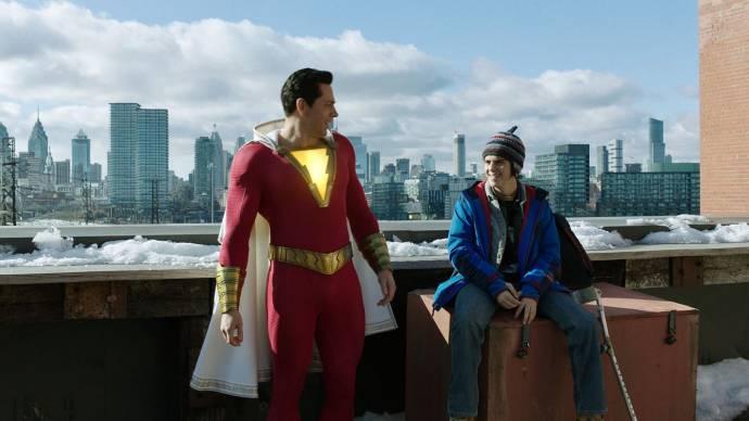 Zachary Levi (Shazam) en Jack Dylan Grazer (Freddy Freeman) in Shazam!