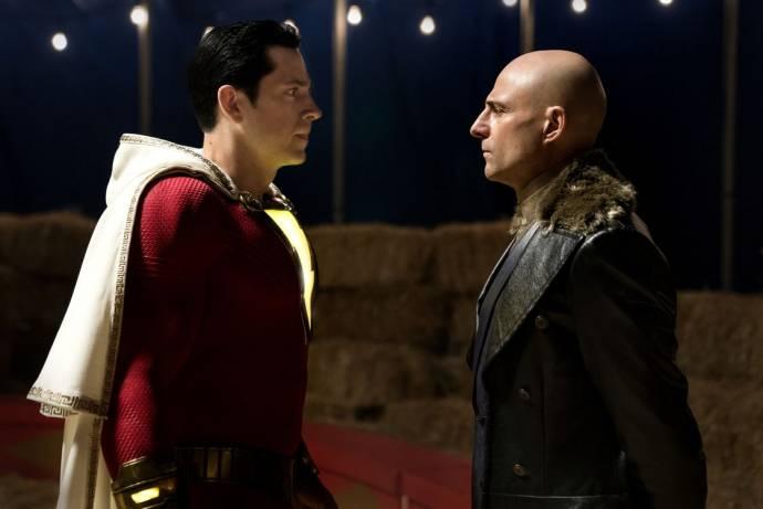 Zachary Levi (Shazam) en Mark Strong (Dr. Thaddeus Sivana) in Shazam!