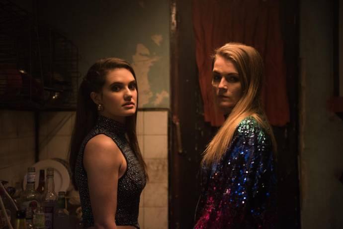Rebecca Stone (Shami) en Vicky Knight (Jade)