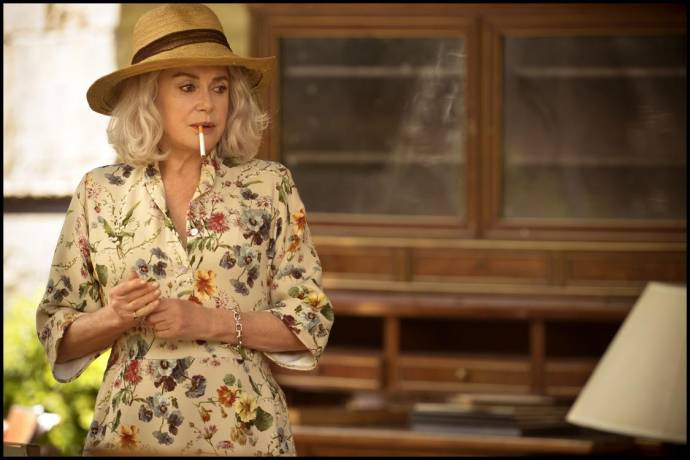 Catherine Deneuve (Claire Darling) in Claire Darling
