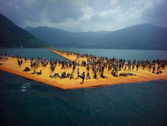Christo: Walking on Water filmstill