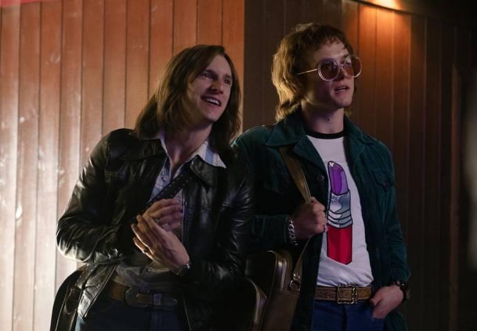 Jamie Bell (I) (Bernie Taupin) en Taron Egerton (Elton John)