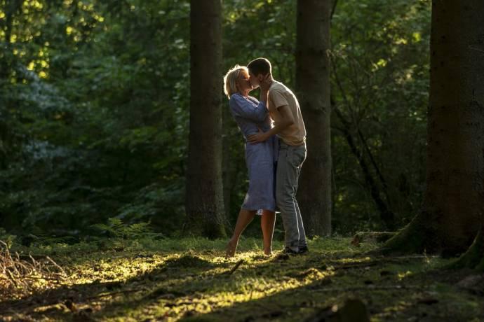 Trine Dyrholm (Anne) en Gustav Lindh (Gustav)