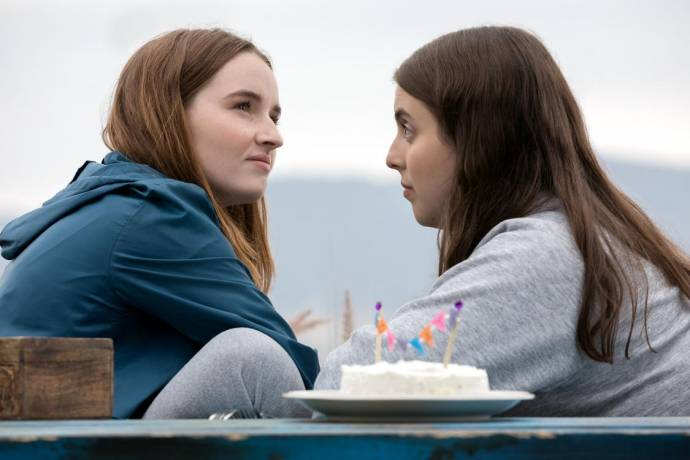 Kaitlyn Dever (Amy) en Beanie Feldstein (Molly)