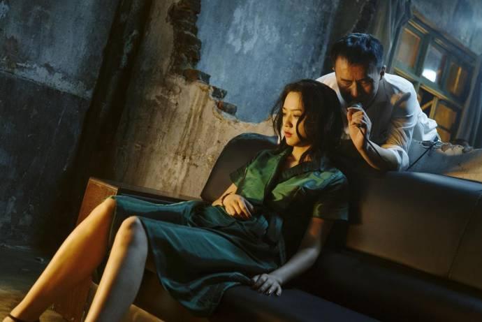 Wei Tang (Wan Qiwen / Kaizhen) en Jue Huang (Luo Hongwu)