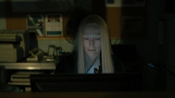 Tilda Swinton (Zelda Winston)