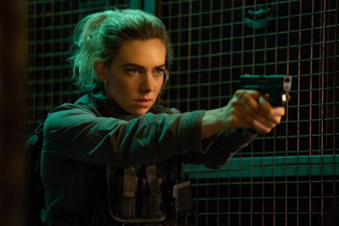 Vanessa Kirby (Hattie)