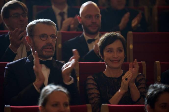 Lambert Wilson (Pierre Geithner) en Kristin Scott Thomas (La Comtesse) in Au bout des doigts