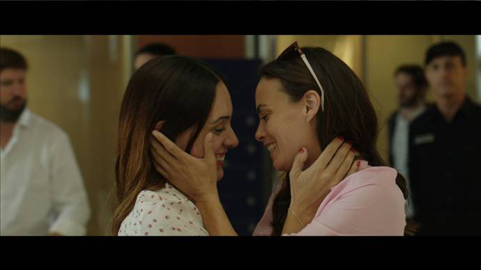 Berenice Bejo (Eugenia / Daughter) en Martina Gusman (Mia / Daughter)