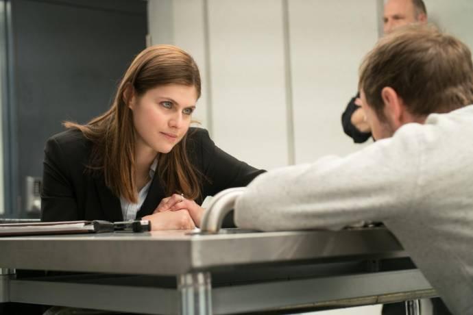 Alexandra Daddario (Rachel)