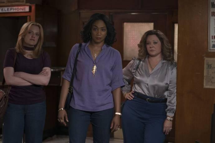 Elisabeth Moss (Claire Walsh), Tiffany Haddish (Ruby O'Carroll) en Melissa McCarthy (Kathy Brennan)