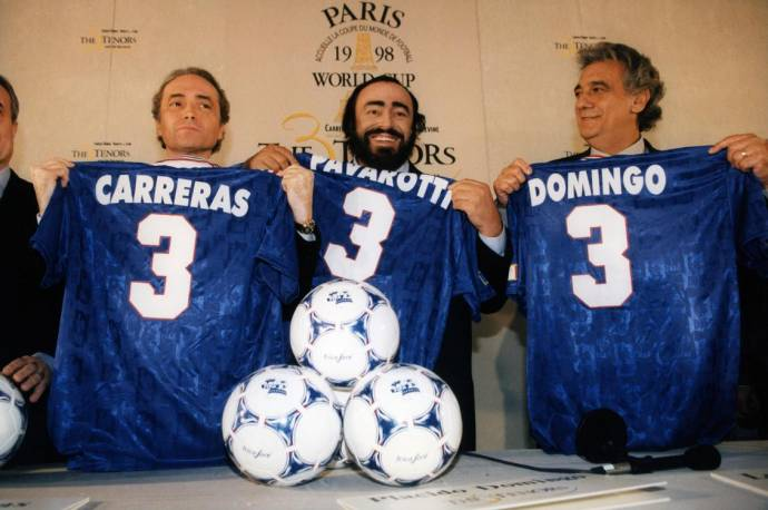 José Carreras (Zichzelf (archive footage)), Luciano Pavarotti (Zichzelf (archive footage)) en Placido Domingo (Zichzelf (archive footage)) in Pavarotti