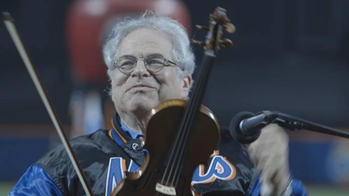 Itzhak Perlman (Zichzelf) in Itzhak