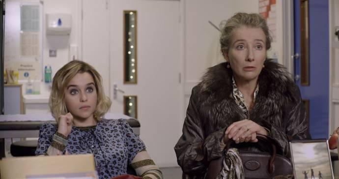 Emilia Clarke (Kate) en Emma Thompson (Adelia)