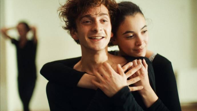 Tamar Bukhnikashvili (Teona) en Ana Javakishvili (Mary)