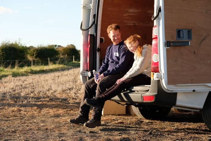Kris Hitchen (Ricky Turner) en Katie Proctor (Lisa Jane Turner)